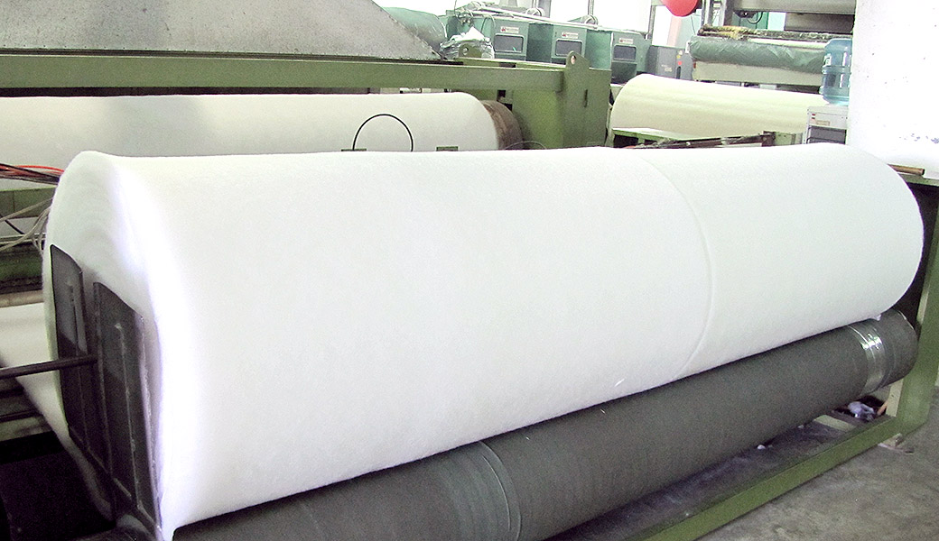 Production of polyester wadding